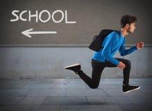 跑远离学校 免版税库存图片
