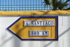 距离向孔波斯特拉的圣地牙哥,通往圣地亚哥, Camino de圣地亚哥的道路 库存照片