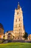 跟特在夜,比利时钟楼  免版税库存照片
