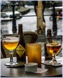 跟特,比利时啤酒和运河  免版税库存照片
