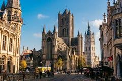 跟特,比利时- 2017年11月:跟特市中心建筑学  跟特是历史中世纪城市和点旅游destina 图库摄影