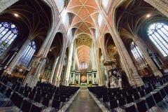 跟特,比利时- 2016年12月05日-跟特,比利时圣徒Bavo大教堂的内部  库存照片