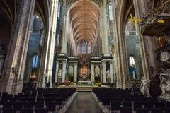 跟特,比利时- 2016年12月05日-跟特,比利时圣徒Bavo大教堂的内部  免版税库存图片