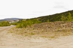 跟踪在富矿小河堆 图库摄影