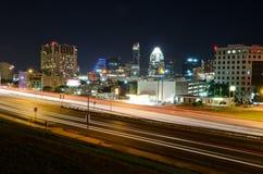 跨境35在奥斯汀得克萨斯在晚上 库存图片