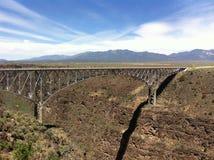 跨接峡谷重创的里约 免版税库存照片