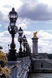 跨接法国neuf晚上巴黎pont 免版税库存图片