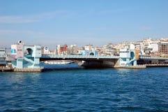 跨接海岸线galata六角伊斯坦布尔模式栏杆海运似方形往视图 库存照片