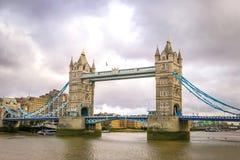 跨接英国伦敦塔 免版税图库摄影