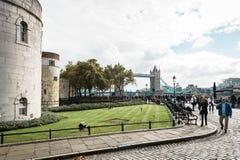 跨接英国伦敦塔 免版税库存图片
