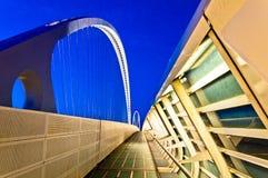 跨接calatrava一点红・意大利晚上reggio 免版税图库摄影