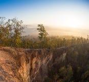 跨步的大阳台在Pai,泰国 它是其中一个非常浅峡谷在世界上 免版税库存图片