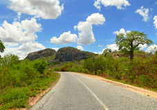 路。非洲,莫桑比克 免版税库存照片