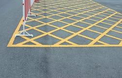 路与线黄色样式的沥青纹理 库存图片