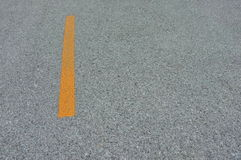 路与线黄色的沥青纹理 免版税库存图片