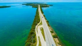 路向在海和海岛,佛罗里达钥匙,美国的基韦斯特岛 免版税图库摄影