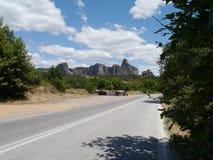 路向迈泰奥拉,北希腊 库存图片