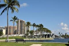 水路和桥梁在劳德代尔堡佛罗里达 免版税库存照片