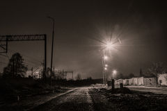 路和铁路夜 免版税图库摄影