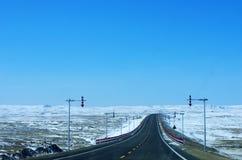 路和雪 免版税库存图片