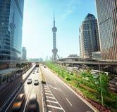 路在上海lujiazui金融中心 库存照片