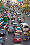 主路在下午的曼谷 图库摄影