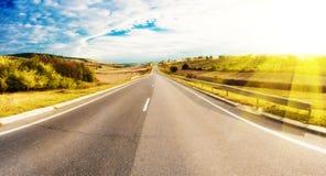 路在乡下 免版税库存照片