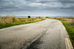 路在农村布里坦尼,法国 图库摄影