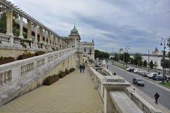 路在城堡庭院义卖市场 库存图片