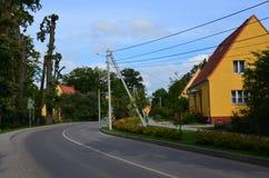 路在小镇 免版税库存照片