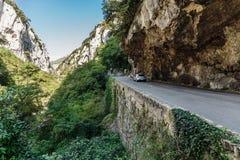路在峡谷在滨海阿尔卑斯省 图库摄影