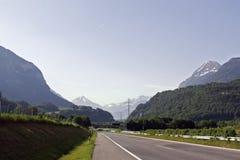 路在瑞士 免版税库存图片