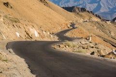 路在Leh拉达克,印度 库存图片