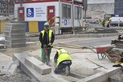 路改善运作布鲁塞尔 比利时, 12月 2013年 免版税图库摄影
