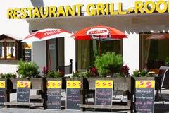 路旁的,瑞士格栅餐馆 图库摄影