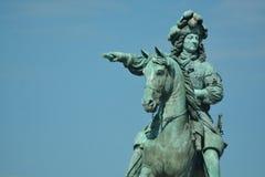 路易十四骑马雕象在凡尔赛 库存图片