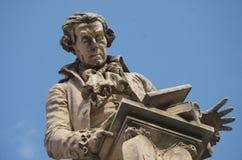 路易吉・伽伐尼,波隆纳,意大利雕象  免版税库存图片