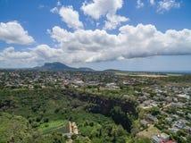 路易港,毛里求斯- 2015年11月28日:路易港风景视图在毛里求斯 接近佳丽Etoile 多云天空 库存照片