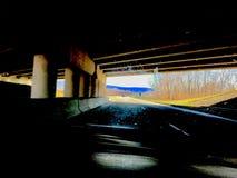 路是宽的,但是我的段落是狭窄的 库存图片
