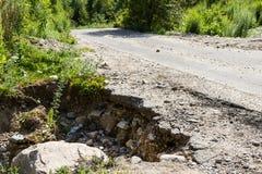 路有大裂缝 库存照片