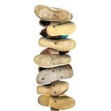 路标由老穿的鞋子制成 图库摄影