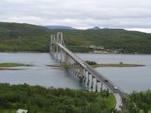 路桥梁在Lofoten海岛在挪威 免版税库存照片