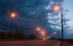 路照明设备在黎明 免版税库存图片