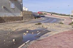 路的后果和破坏在风暴以后的 免版税库存图片