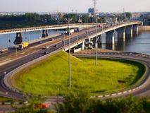 路的连接点向桥梁的,西洋镜,直到转移 免版税图库摄影