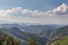 路的Sideway风景向Umphang的 湄宏顺府,泰国 库存照片