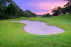 路线高尔夫球坑沙子 免版税库存照片
