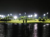 路线高尔夫球晚上 免版税库存图片