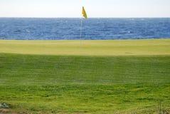 路线高尔夫球桃子小卵石 库存照片
