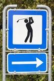 路线高尔夫球路标 库存图片